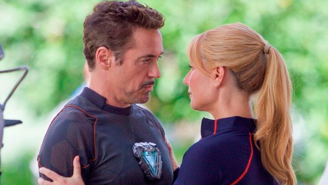 Robert Downey Jr. y Gwyneth Paltrow en el set de Vengadores: Infinity War (2018)