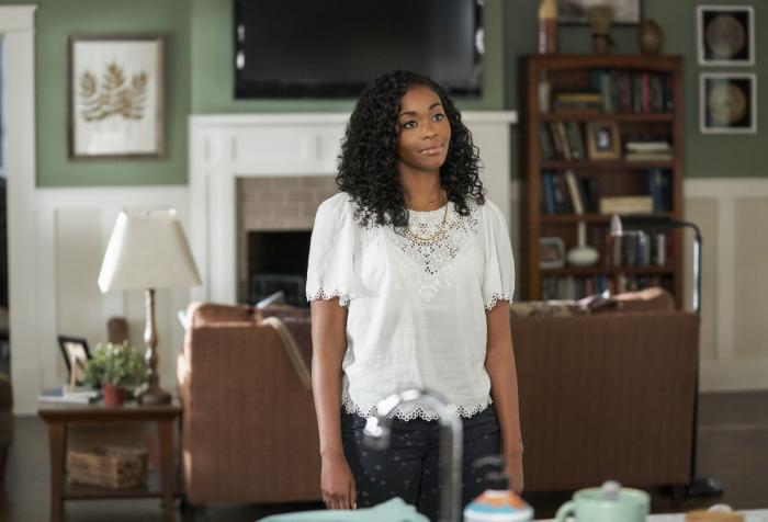 Imagen de Black Lightning 2x04: Translucent Freak