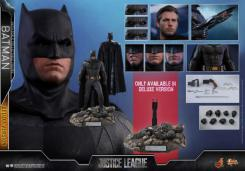 Figura de Batman en Justice League por Hot Toys