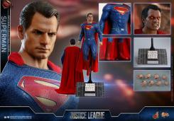 Figura de Superman en Justice League por Hot Toys