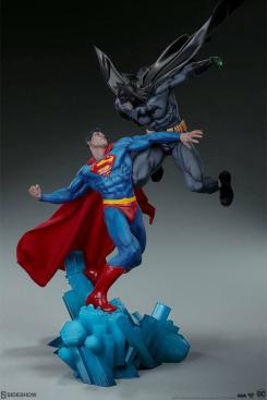 estatua de batman vs superman de sideshow