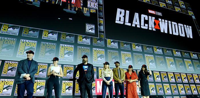 El equipo de Black Widow (2020) en la San Diego Comic Con 2019