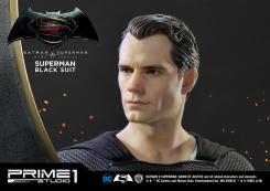 Black Suit Superman, de Prime 1 Studios