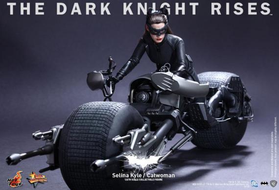 Figura coleccionable de Selina Kyle / Catwoman hecha por Hot Toys y basada en The Dark Knight Rises / El Caballero Oscuro: La Leyenda Renace