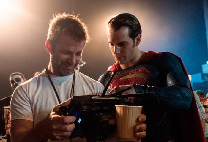 Zack Snyder y Henry Cavill en el set de Batman v Superman (2016)