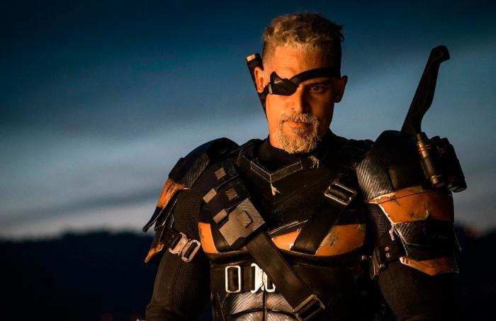 Imagen de Deathstroke en la escena poscréditos de Liga de la Justicia (2017)
